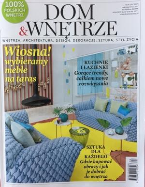 """Czerwcowe wydanie magazynu """"Dom&Wnętrze"""" w dużej mierze poświęcone jest sztuce w domu - jak dobierać obrazy do wnętrza i gdzie kupować. Jest kilka ciekawych rekomendacji - w tym jedna nasza w dziale """"Znawcy sztuki polecają""""."""
